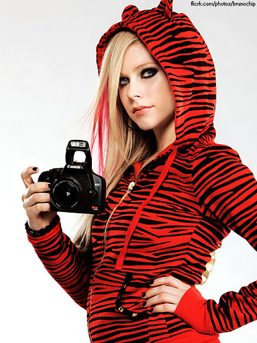 Avril Lavigne New Photoshoot: Canon