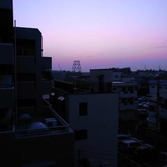 ;夜明け前の青