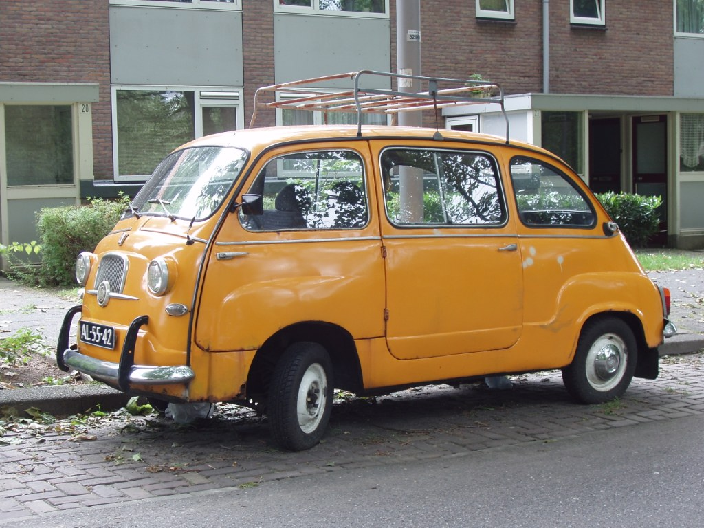 FIAT 600 Multipla. go back