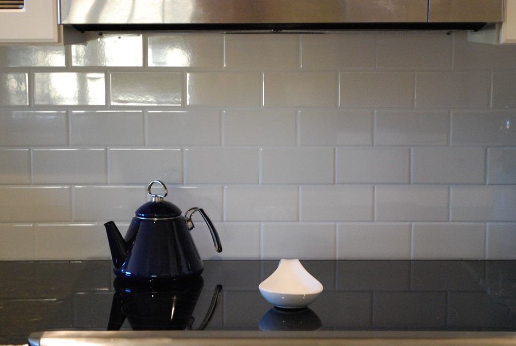Subway Tile with Harlequin White Tile Inset-Ivory Silk