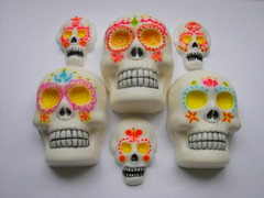 Mexican Family Skulls (Las Catrinas project) (SOAPOP by monica ohtani) Tags: soap artesanal diadelosmuertos exclusive sabonete exclusivo