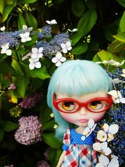 Twyla in the garden <3