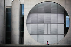 One World (Pensiero) Tags: man building berlin girl circle concrete father daughter uomo portfolio cemento palazzo mitte architettura cerchio bambina berlino marieelisabethldershaus exb selexb seledn cab2012 selecab