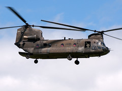 89-0163 CH-47D Chinook (Irish251) Tags: ireland dublin army us airport president visit presidential helicopter boeing chinook obama dub barack vertol ch47 2011 usareur ch47d eidw bigwindy warweary 890163