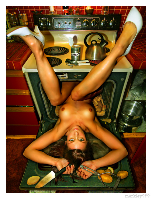 Rachel - Posing Ass End In The Oven With Shoddily Prepared Potatoes, Fake Gold Knife, Old Masher, Sloppy Teapot & Iffy Generic Canned Gravy As A Stuffed Rat Pretends to Give a Fuck