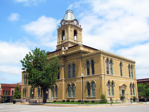 Robertson County Courthouse - Springfield TN