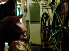Vesikko-sukellusvenettä tutkimassa