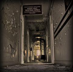 keep out (Cosmo_75) Tags: chicago hospital eerie creepy abandonded hydepark keepout urbex ireallydontneedtospendanymoretimehere testingarea