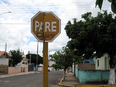 pare (parttimefarm) Tags: signs brasil echapora