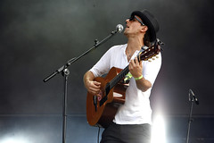 Jason Mraz (Helen Boast Photography) Tags: music jason live sting hydepark sherylcrow mraz jasonmraz starsailor kttunstall robertrandolph thepolice carbonsilicon redferns thebangles johnmayor helenboast galvatrons hardrockcalling