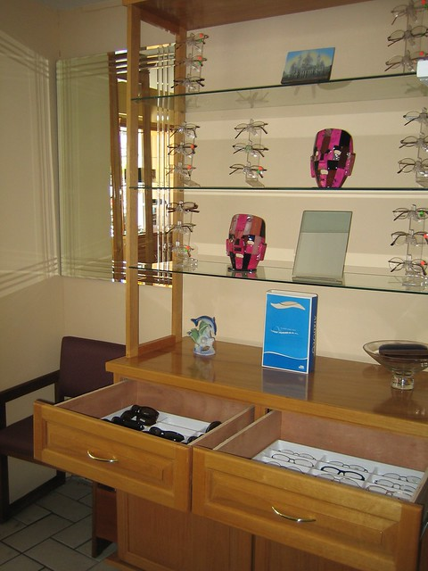 TIJUANA OPTOMETRIST EYE DOCTOR Eye Exam 20 USD Appointments (619)618-2503 by Tijuana Optometrist Eye Doctor (619)618-2503
