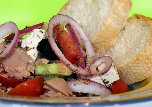 Greek salad with tuna 4343