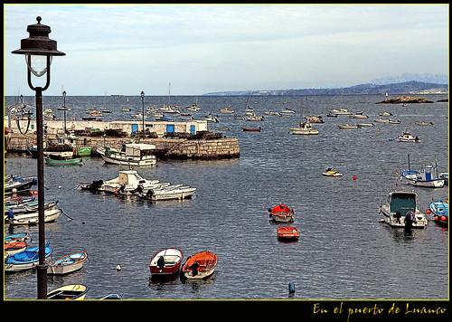 en el puerto de Luanco