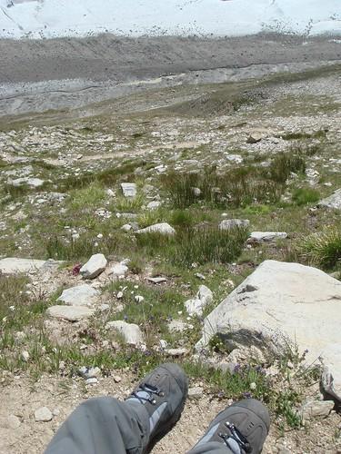 写真ではわからないけど、かなりの高さの断崖絶壁