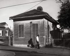 img069shotgunq New Orleans Shotgun house