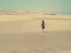 Summer breeze (etherealwinter) Tags: sea summer beach girl de island mare fuerteventura dune playa retro breeze isla spiaggia sotavento