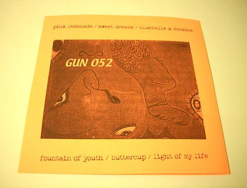 GUN 052 BACK