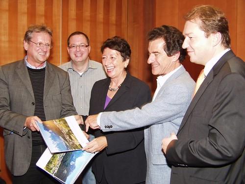 Karin Roth mit Vertretern der VEO