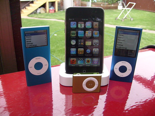 Family of iPods by dave2889