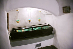 San Procoro Lebednik (abarrero2000) Tags: saint shrine monk holy orthodox kiev relics monje reliquien schrein reliquary urna moine reliquias lavra reliques chsse relicario reliquaire reliquienschrein