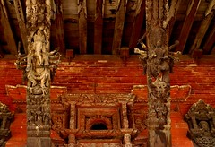 Temple in Patan Durbar Square - Patan city - Nepal (Rosa Gamboias) Tags: world old travel nepal art stone temple religion ganesh gods traveling soe sculptures religião kathmanduvalley patansquare ancientplaces hinduismo mywinners abigfave patancity divindades