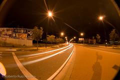 Light tails (Berts @idar) Tags: noche calle zaragoza nocturnas callejeando nocturno valdespartera espaa peleng8mmfisheye canoneos400ddigital