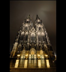 Cologne: Klner Dom (BoblyP) Tags: germany deutschland nikon cathedral shots gothic cologne sigma kln betty explore d200 1020mm reflexions klnerdom colognecathedral medieaval hohedomkirchestpeterundmaria platinumphoto favemegroup3 favemegroup7 theunforgettablepictures nightphotographynight winnr boblyp yourcountry bestcaptureaoi worldwidetravelogue