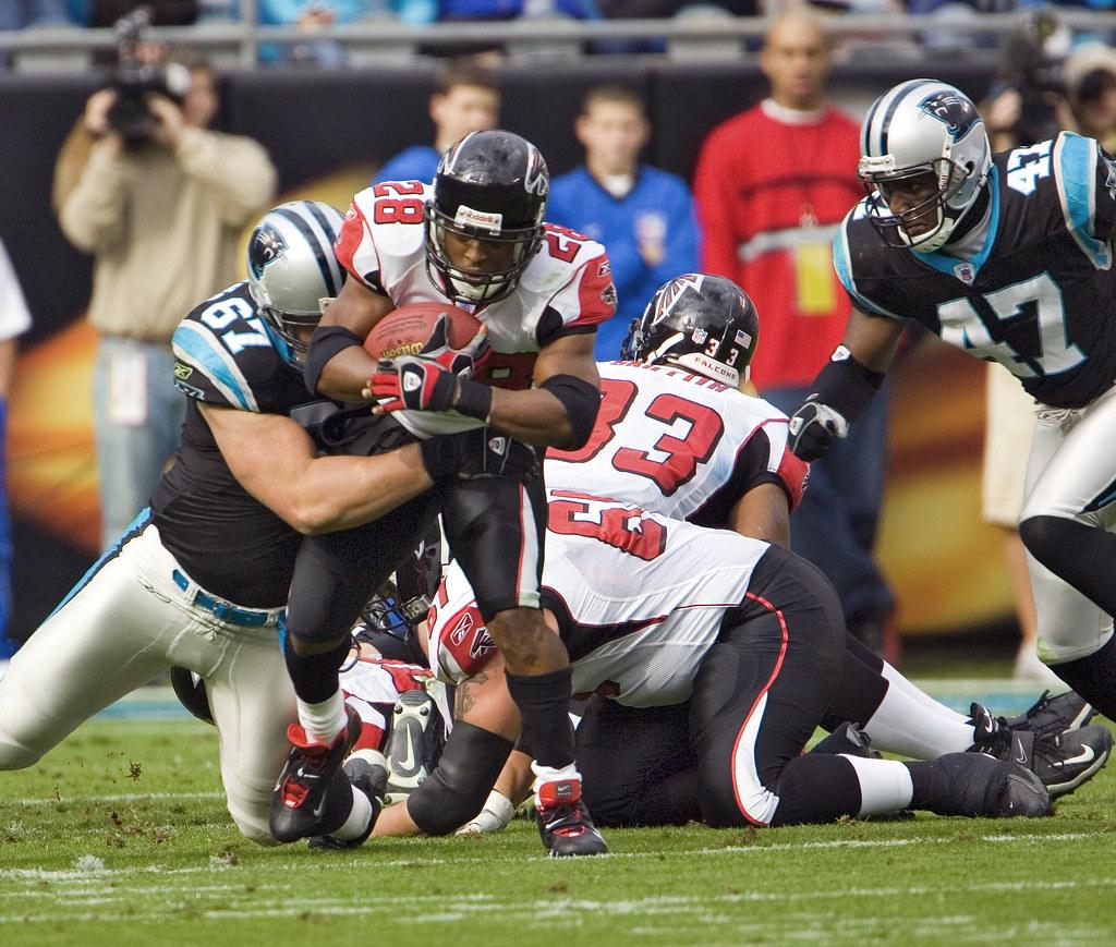 NFL Falcons Vs Panthers Warrick Dunn