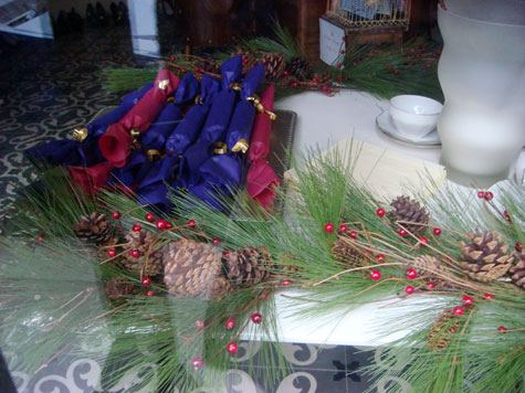 Marie Louise de Monterey shop window Christmas crackers