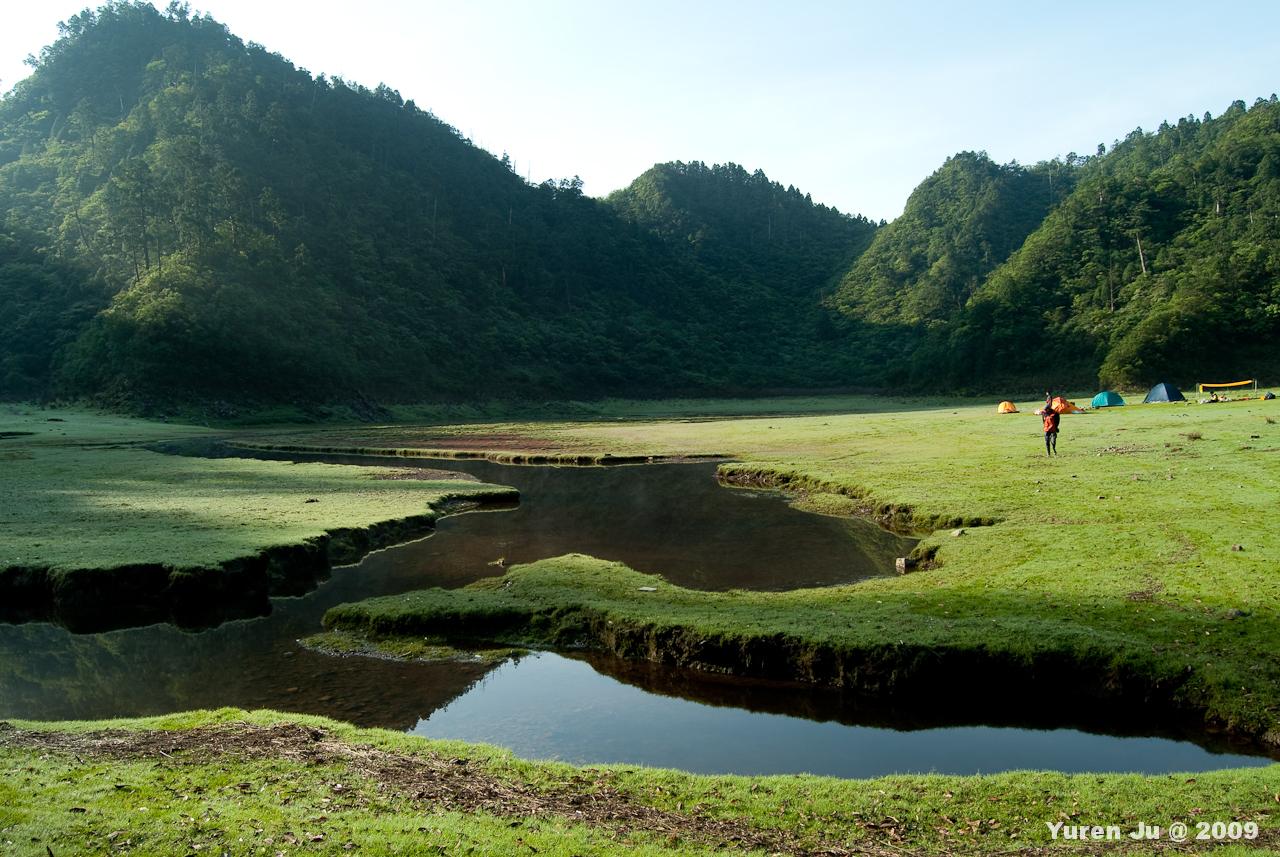 這時候的松蘿湖又跟凌晨的不一樣
