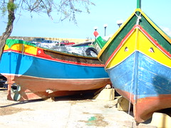 Gozo - Marsalforn bay (marfis75) Tags: travel sea boot bay boat europa europe mediterranean barco eu malta cc journey finepix creativecommons maltese fishingboat reise kste gozo mittelmeer marsalforn europisch marfis75 februar08 marfis75onflickr