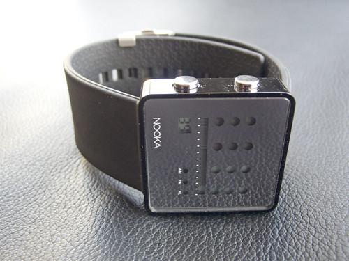 Nooka Zot Aluminum Black
