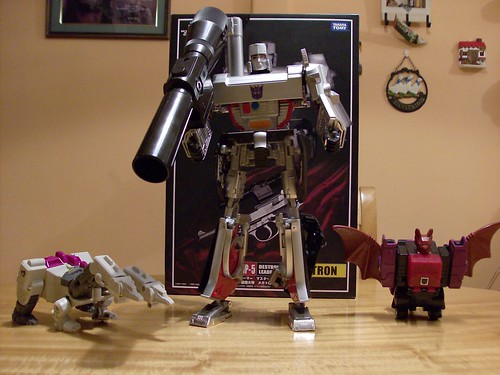 Transformers Megatron Masterpiece MP05, Hun-Grrr G1 y Mindwipe G1