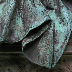 cloth (Leo Reynolds) Tags: cemetery canon eos iso400 verdigris f71 30d 0008sec 41mm 1ev cemeteryperelachaise hpexif groupverdigris leol30random xsquarex xleol30x xratio1x1x xxx2008xxx