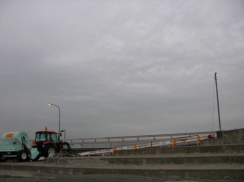 Enoshima beach (weekday).