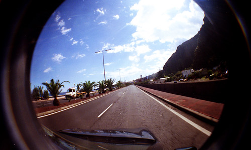[LOMO] On the road