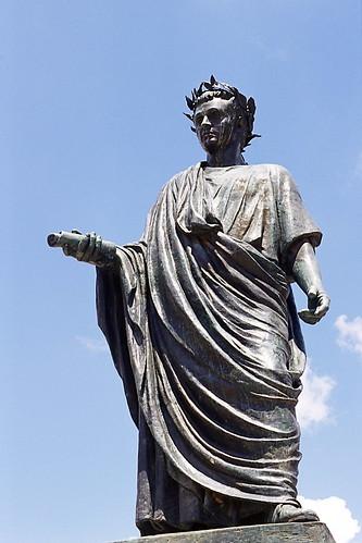 Venosa Statua di Orazio Flacco