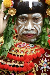bapak (Farl) Tags: travel bali colors indonesia culture tradition hindu baliartsfestival 100mmf28macro meped paradefathersday
