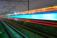 178.2008 seoul metro train lights (Jon Asay ) Tags: station train metro korea seoul     nikond40 ilovekorea yongdap