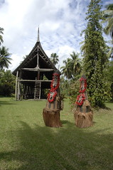 Spirit Dancers with Spirit House (mardeross) Tags: papuanewguinea huliwigmen