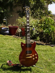 Yamaha SG 700 (Eleventh Earl of Mar) Tags: home electric garden 2000 guitar yamaha amaha sg700