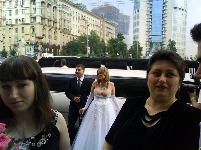 #102 Blanca y radiante va la novia