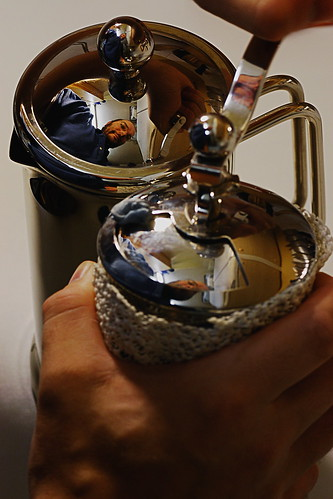 7Days4 - Grinding Coffee