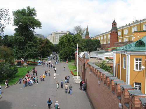 6836 moscow kremlin and alexander garden garden moscow kremlin
