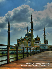 Crystal Mosque #01 (Areteam GetokUbi) Tags: digital photography high dynamic crystal olympus mosque malaysia range zuiko hdr masjid kristal terengganu ttdi kualaterengganu zd photomatix 1442mm e410 tamantamadunislam areteam
