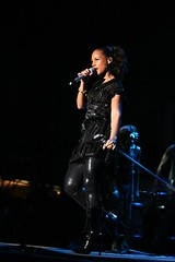 alicia keys in bermuda