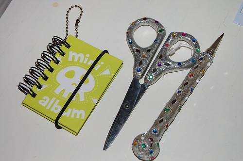 Sparkle scissor