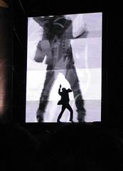 Stipe y la pantalla de video 2