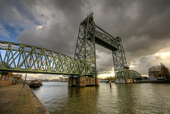 De Hef (Esther Seijmonsbergen) Tags: bridge holland train rotterdam thenetherlands railway trains disused maas hdr obsolete noordereiland nieuwemaas hef dehef 3xp rivermaas koningshaven estherseijmonsbergen wwwdigitalexposurephotographycom wwwmanhattanofeuropecom