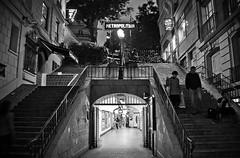 Mtro Lamarck-Caulaincourt (kiwiiiiiii) Tags: paris station stairs subway mtro coeur nb sacr caulaincourt lamarck